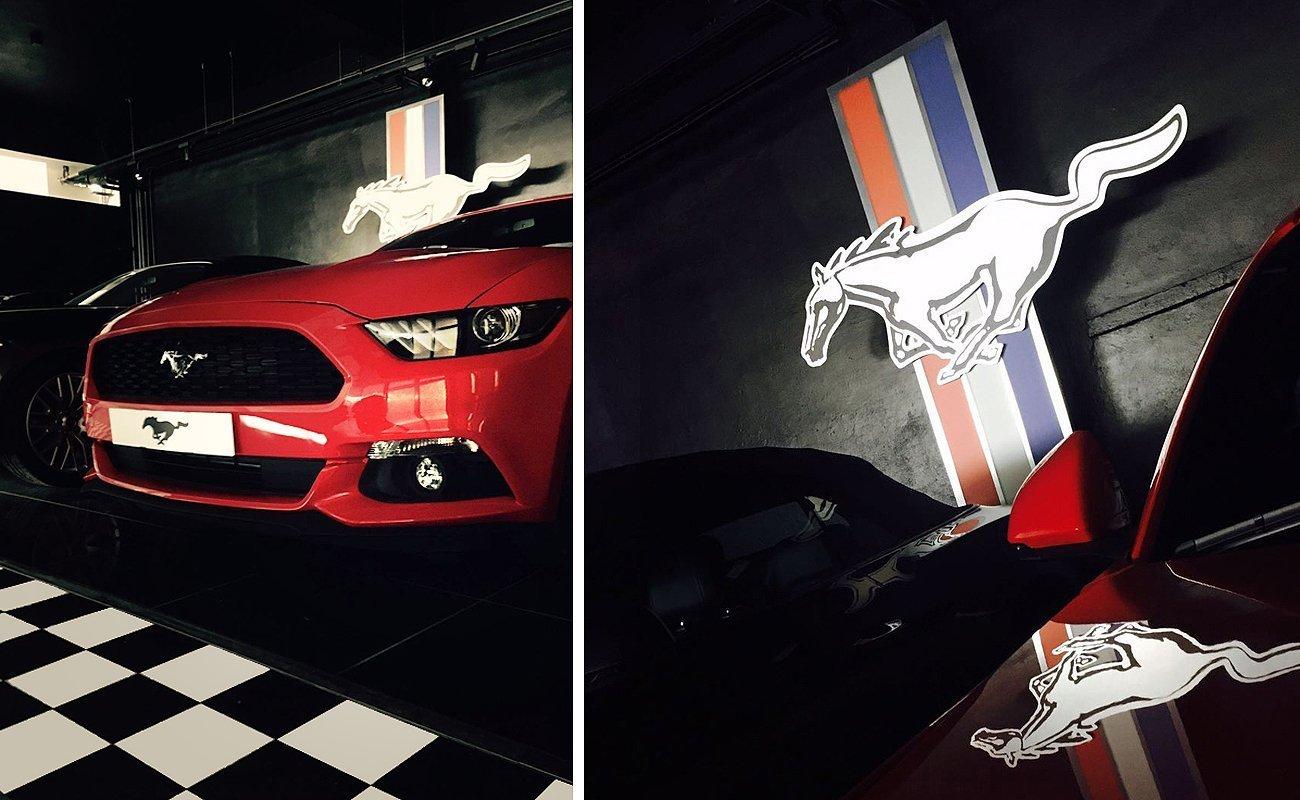 Dettagli della zona Mustang creata da Frog per il FordSotre Bologna