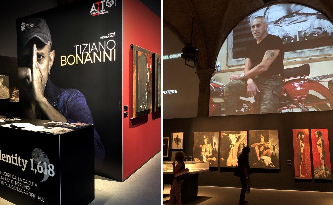 Ingresso mostra d'arte di Tiziano Bonanni Identity 1,618 e dettaglio allestimento completo di proiezioni video e audio